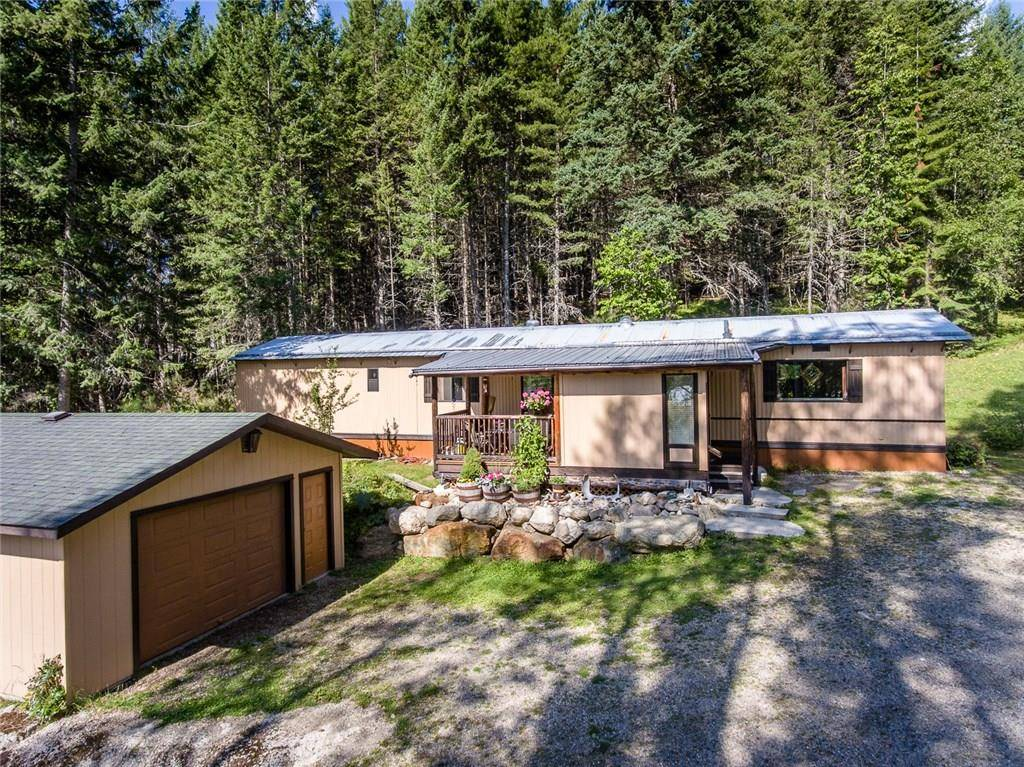 House for sale at 16222 3a Hy Crawford Bay British Columbia - MLS: 2439059