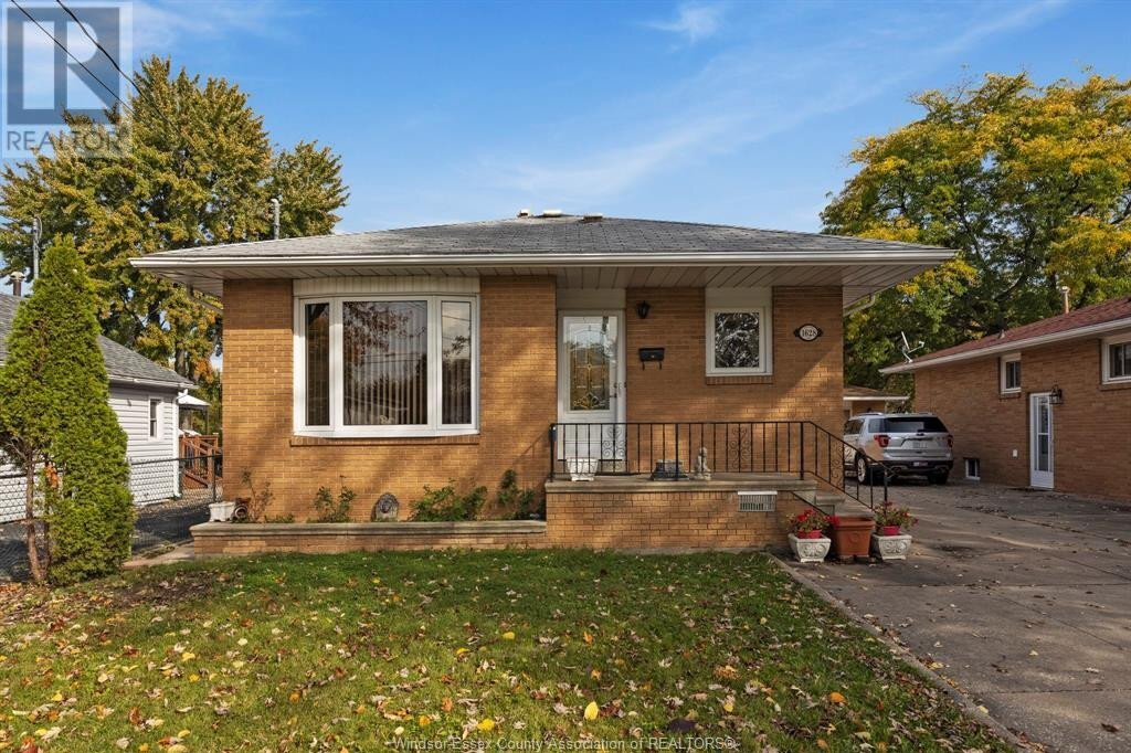 House for sale at 1628 Balfour  Windsor Ontario - MLS: 20014047