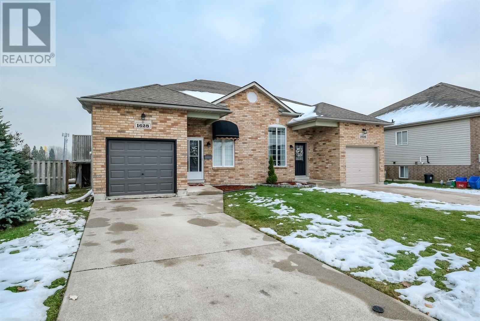 House for sale at 1628 Heatherglen  Tecumseh Ontario - MLS: 19028531