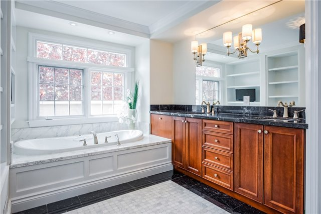 For Sale: 163 Dunn Street, Oakville, ON | 3 Bed, 3 Bath Townhouse for $1,249,000. See 20 photos!