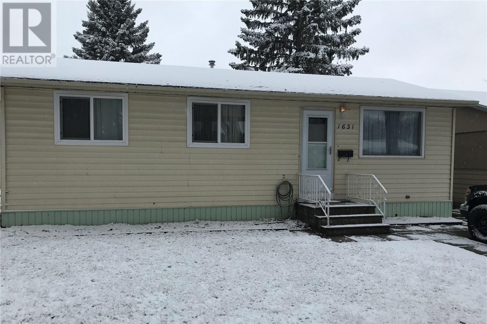 House for sale at 1631 G Ave N Saskatoon Saskatchewan - MLS: SK821289