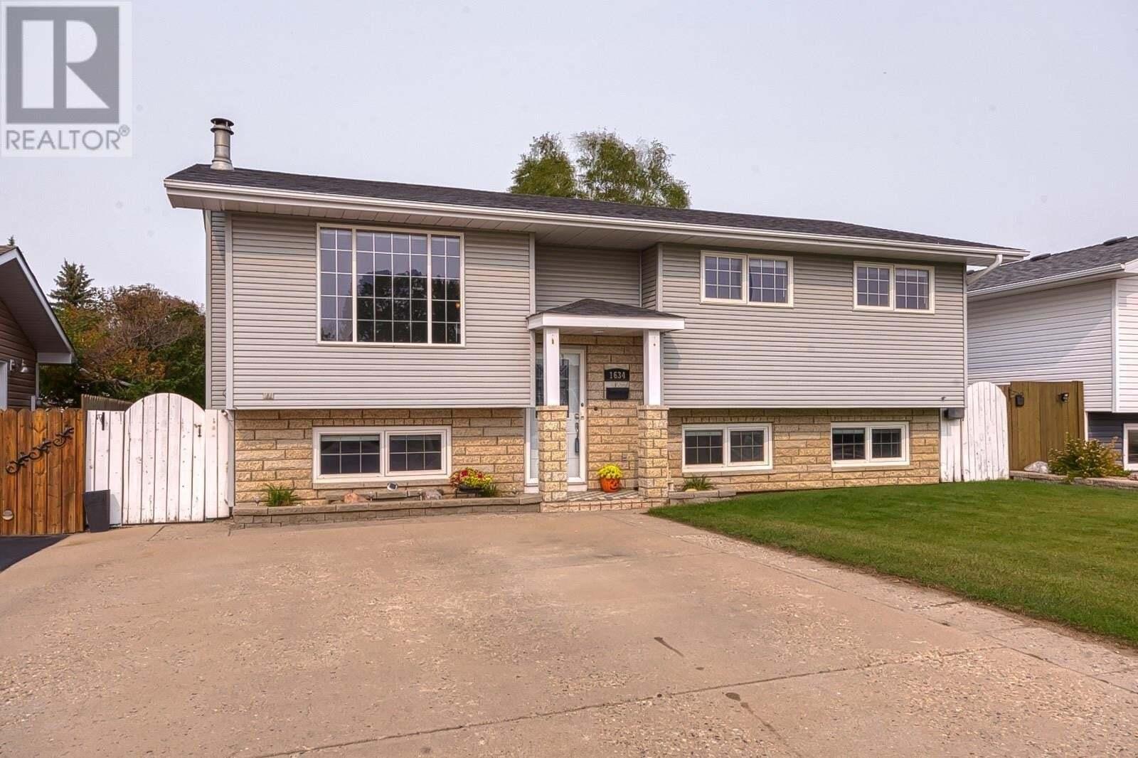 House for sale at 1634 Glendale St Moose Jaw Saskatchewan - MLS: SK827417