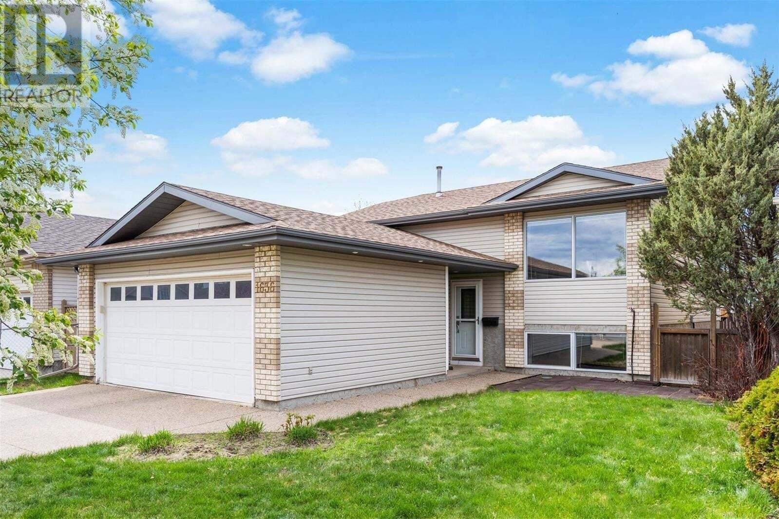 House for sale at 1636 Violet Cres Regina Saskatchewan - MLS: SK809878