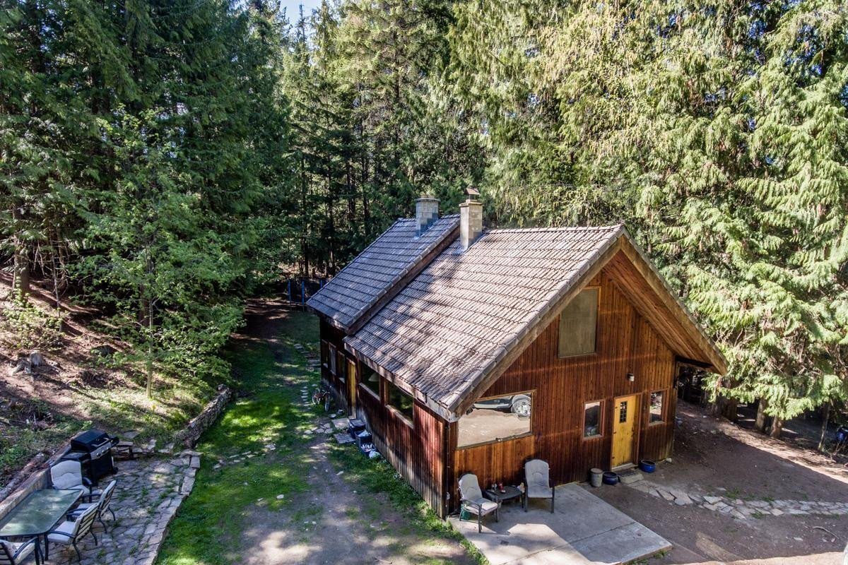 House for sale at 16367 Highway 3a  Crawford Bay British Columbia - MLS: 2452453
