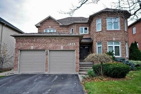 For Rent: 1637 Bayshire Drive, Oakville, ON | 4 Bed, 4 Bath House for $3,500. See 15 photos!