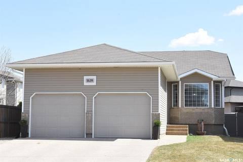 House for sale at 1639 Mcintosh St N Regina Saskatchewan - MLS: SK768398
