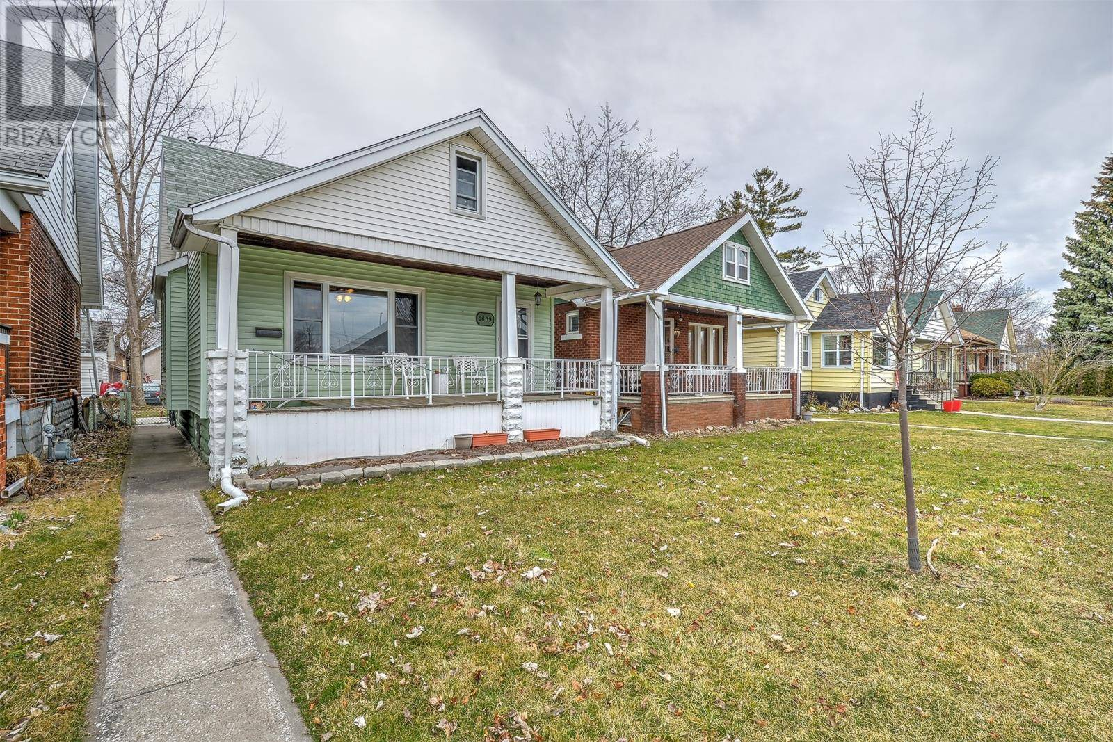 House for sale at 1639 Moy Ave Windsor Ontario - MLS: 20003342