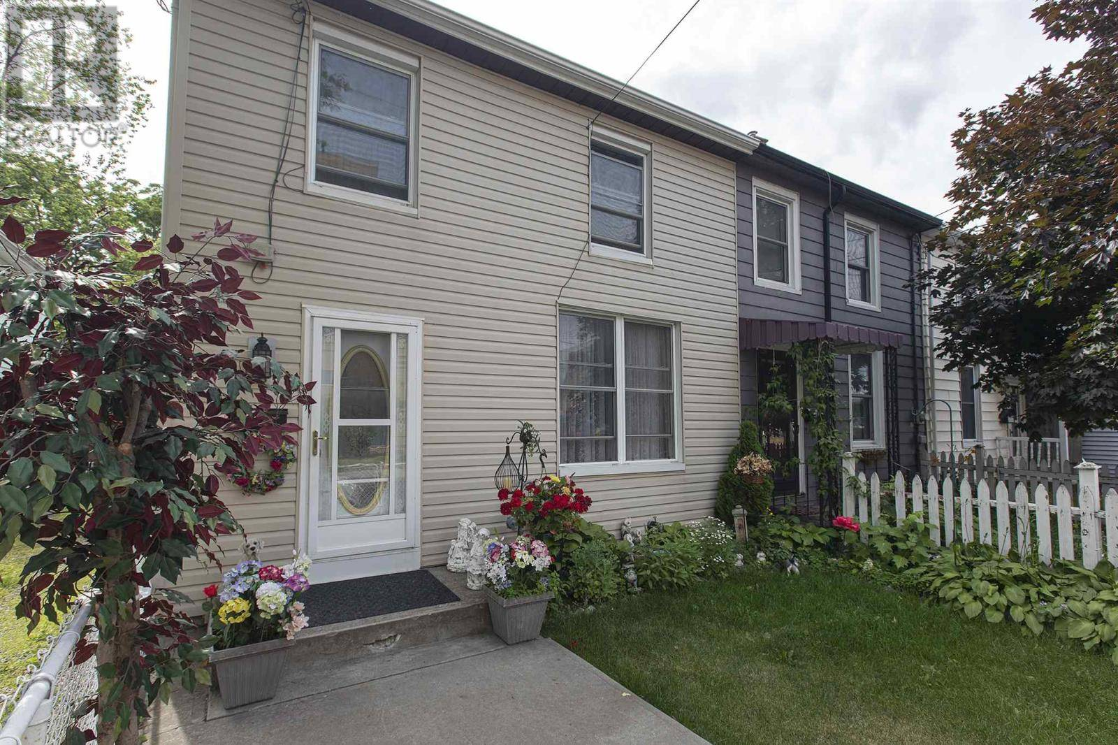 House for sale at 164 Rideau St Kingston Ontario - MLS: K19004780