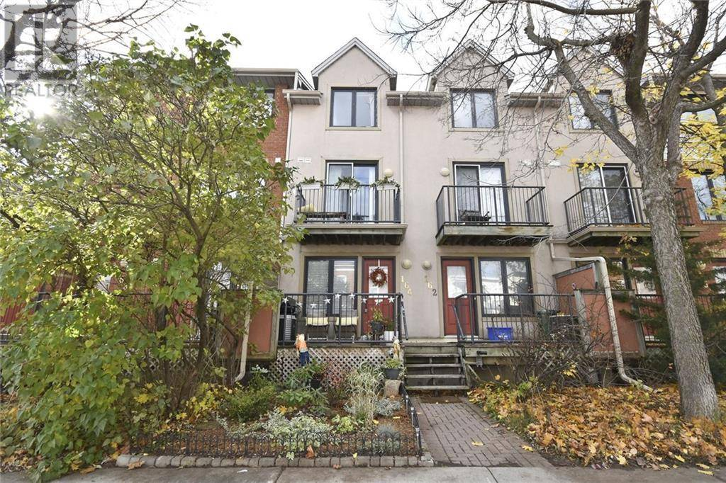 Townhouse for sale at 164 Rochester St Ottawa Ontario - MLS: 1174870