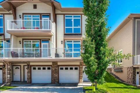 Townhouse for sale at 164 Rockyledge Vw NW Calgary Alberta - MLS: C4305521