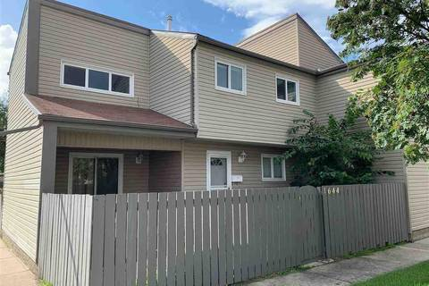 Townhouse for sale at 1644 Lakewood Rd Nw Edmonton Alberta - MLS: E4146268