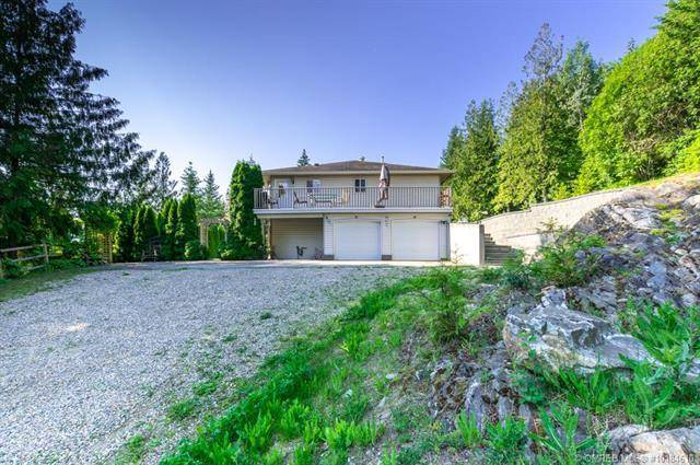House for sale at 1649 Tappen Notch Hill Rd Tappen British Columbia - MLS: 10184610