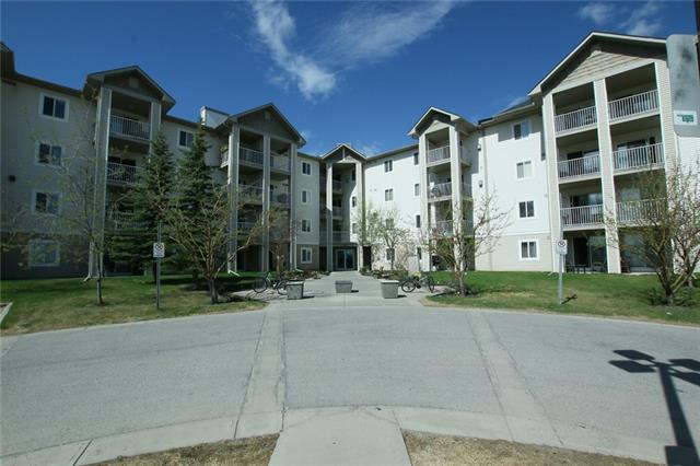 Buliding: 1717 60 Street Southeast, Calgary, AB