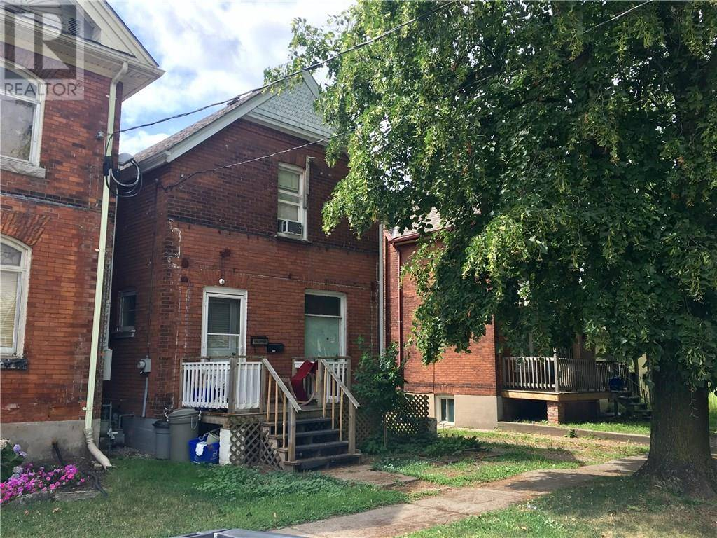 Townhouse for sale at 165 Darling St Brantford Ontario - MLS: 30756883