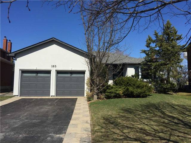 For Sale: 165 Geoffrey Crescent, Whitchurch Stouffville, ON | 3 Bed, 3 Bath House for $1,138,000. See 20 photos!