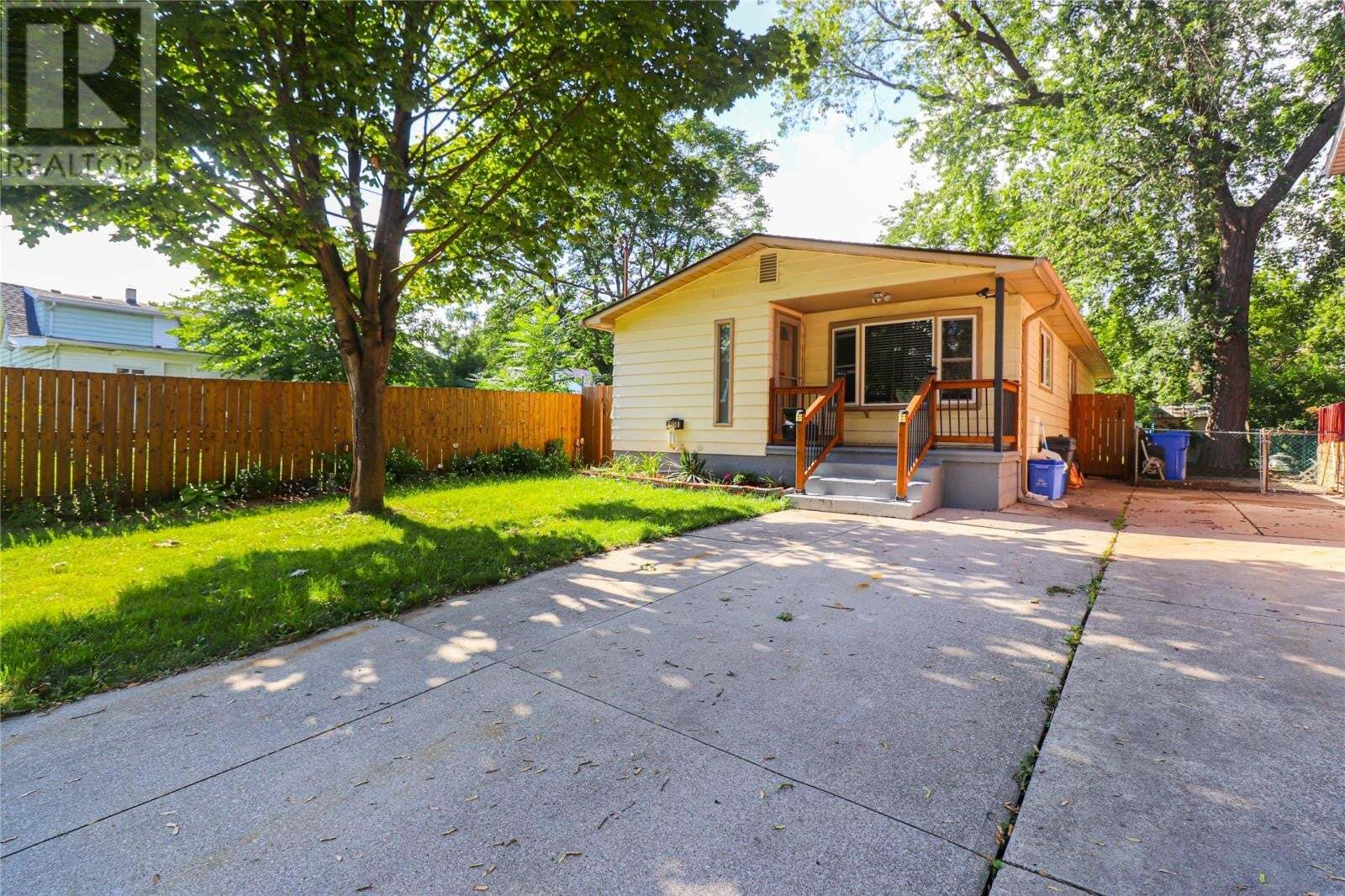 House for sale at 1650 Adanac  Windsor Ontario - MLS: 20012751