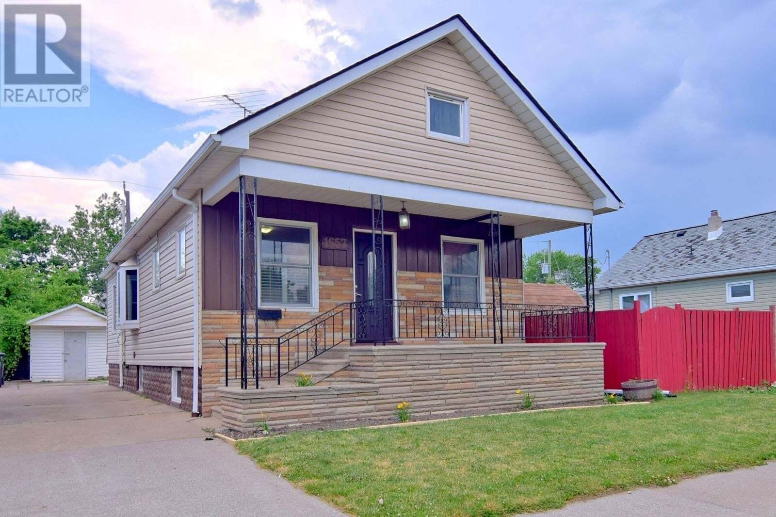 House for sale at 1657 St. Luke  Windsor Ontario - MLS: 20008251
