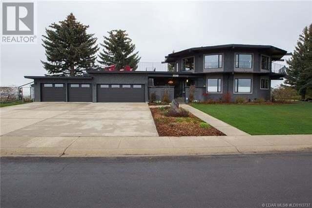 House for sale at 1658 Scenic Ht S Lethbridge Alberta - MLS: ld0193737