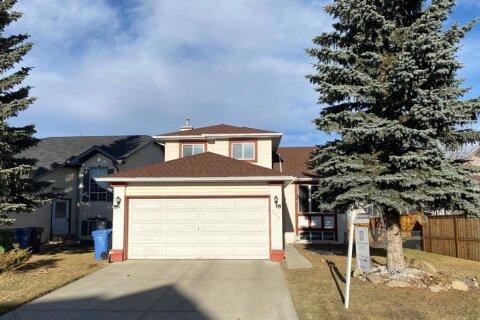 House for sale at 166 Citadel Gdns NW Calgary Alberta - MLS: A1048686