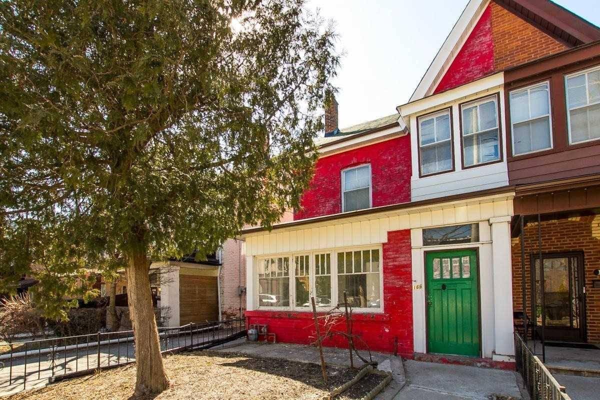 Townhouse for sale at 166 Lisgar St Toronto Ontario - MLS: C4392902