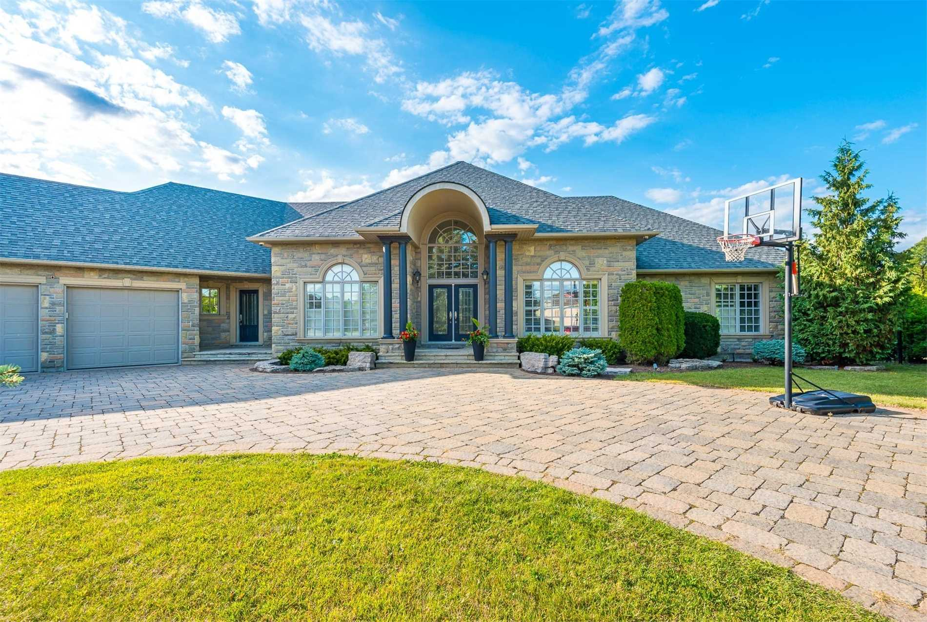 For Sale: 166 Ward Avenue, East Gwillimbury, ON | 4 Bed, 4 Bath House for $1774000.00. See 20 photos!
