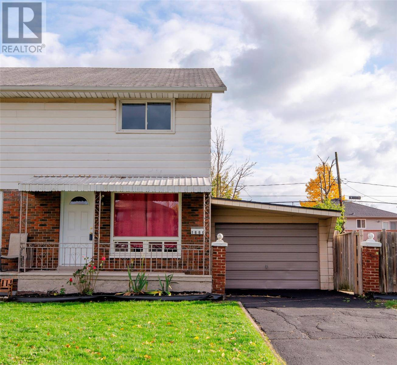 House for sale at 1660 Betts  Windsor Ontario - MLS: 19027878
