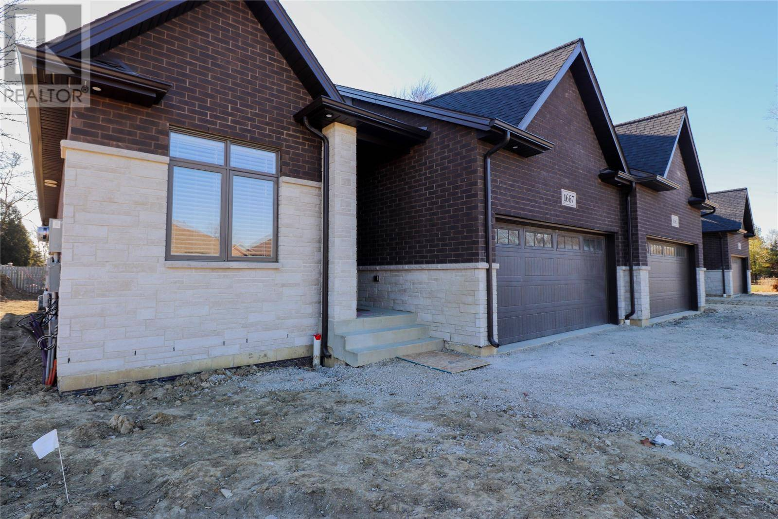 Townhouse for sale at 1661 Gladys  Lasalle Ontario - MLS: 20002203