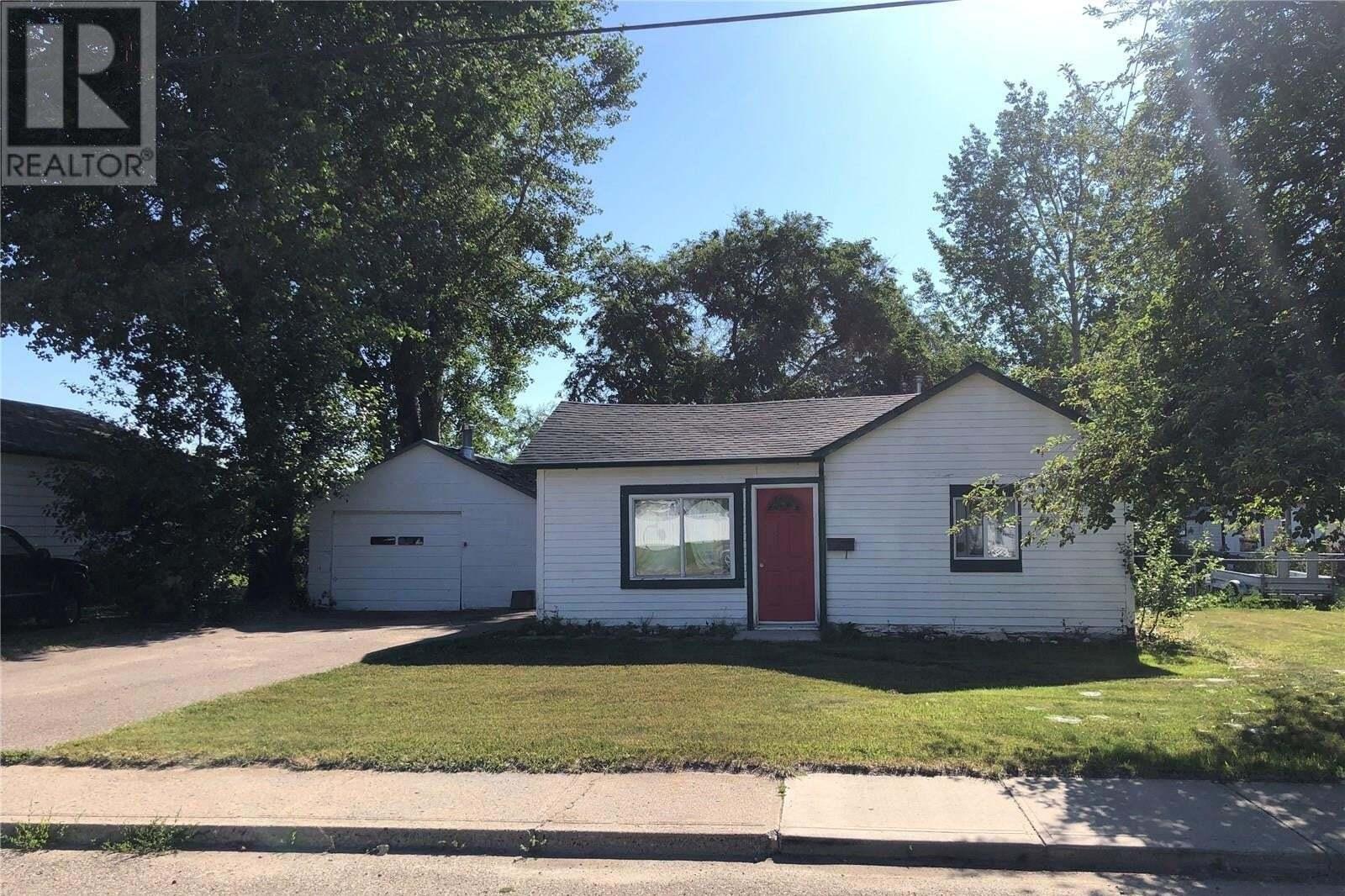 House for sale at 167 11th Ave SE Swift Current Saskatchewan - MLS: SK819153