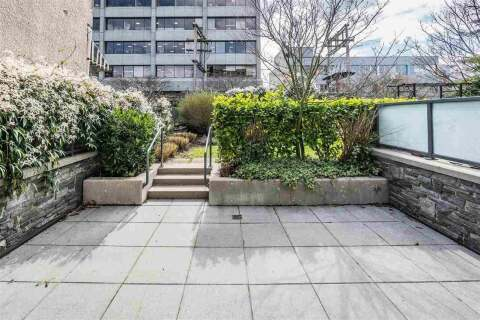 Condo for sale at 1670 8th Ave W Vancouver British Columbia - MLS: R2462968