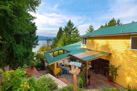 House for sale at 1673 Woods Rd Bowen Island British Columbia - MLS: R2398559