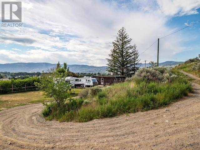 Home for sale at 1675 Batchelor Dr Kamloops British Columbia - MLS: 154469