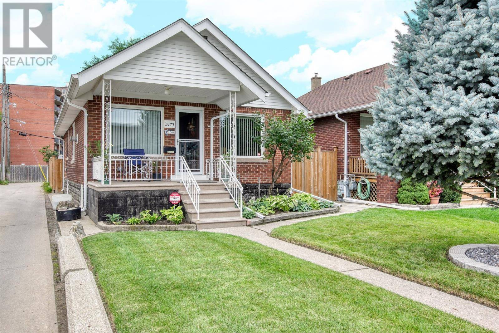 House for sale at 1677 Windsor Ave Windsor Ontario - MLS: 19025002