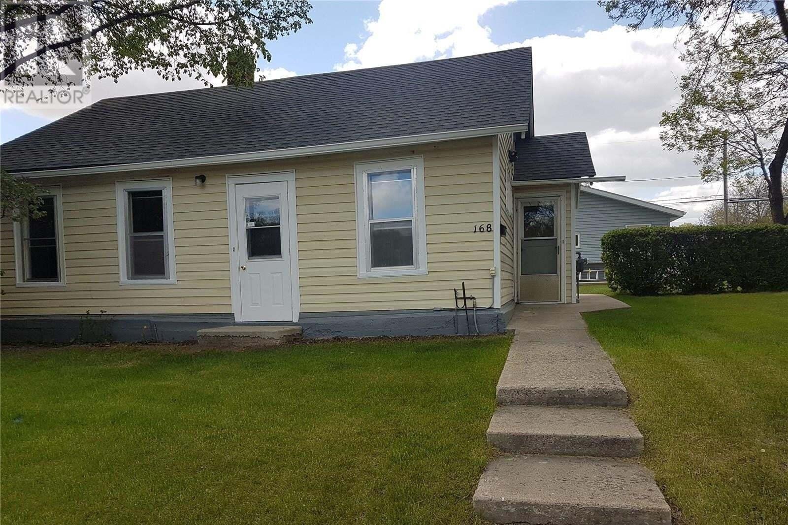 House for sale at 168 4th Ave SE Swift Current Saskatchewan - MLS: SK810173