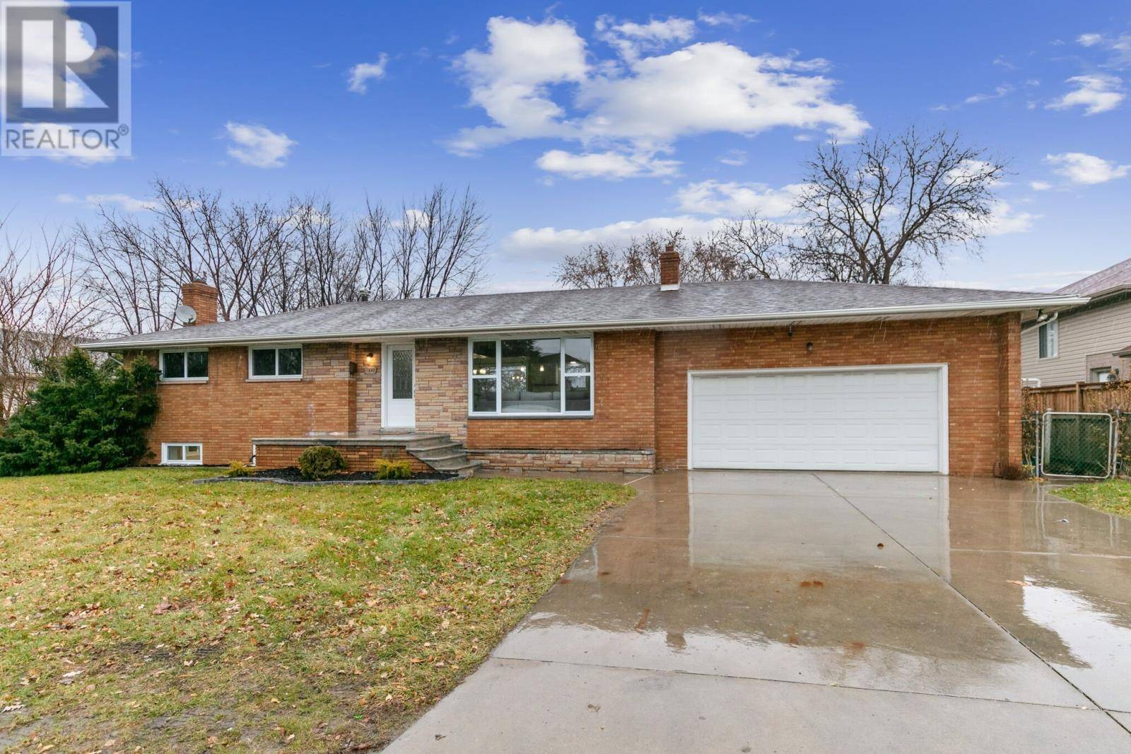 House for sale at 1680 Northway  Windsor Ontario - MLS: 19029199