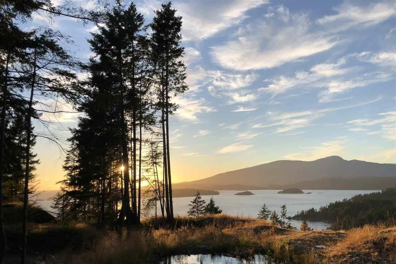 Residential property for sale at 1681 Whitesails Dr Bowen Island British Columbia - MLS: R2451601