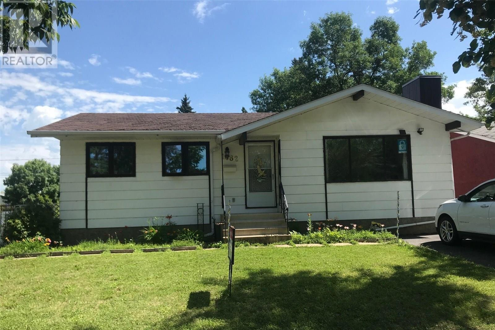 House for sale at 1682 104th St North Battleford Saskatchewan - MLS: SK818354