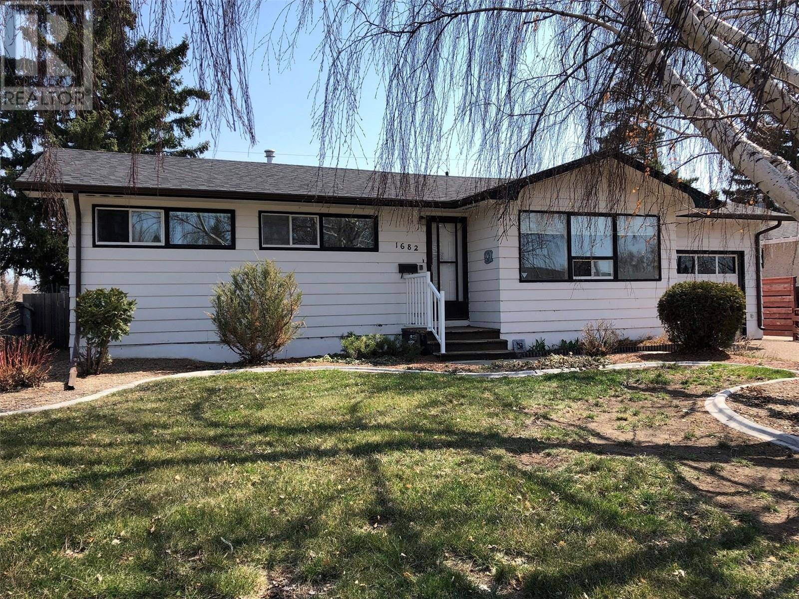 House for sale at 1682 93rd St North Battleford Saskatchewan - MLS: SK768241