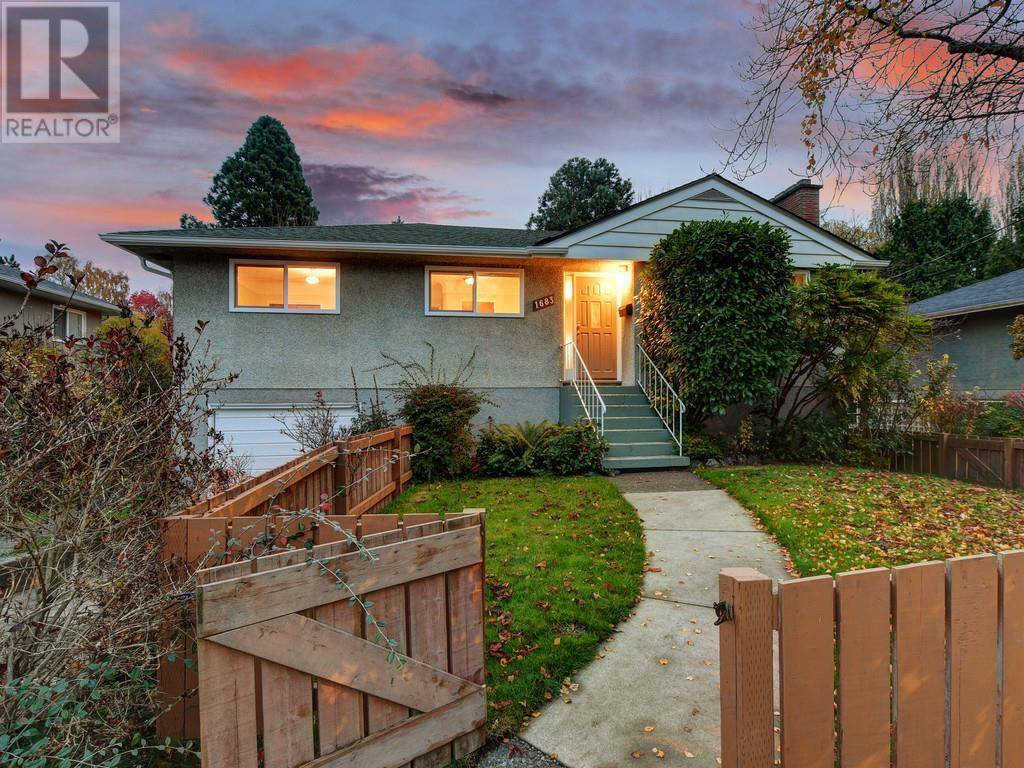 House for sale at 1683 Richardson St Victoria British Columbia - MLS: 417801