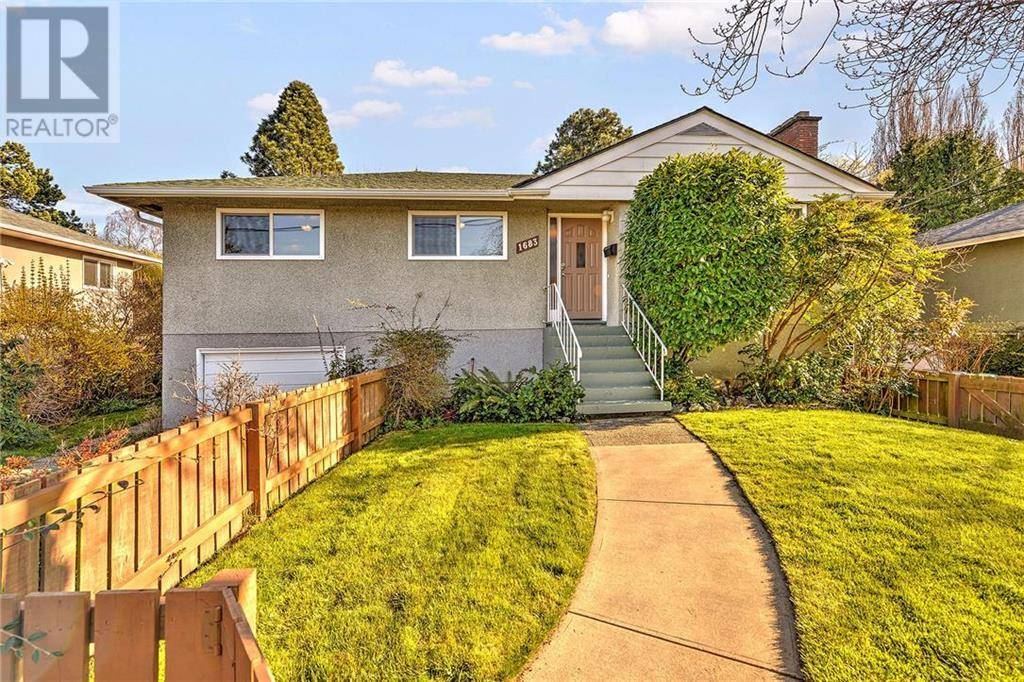 House for sale at 1683 Richardson St Victoria British Columbia - MLS: 423759