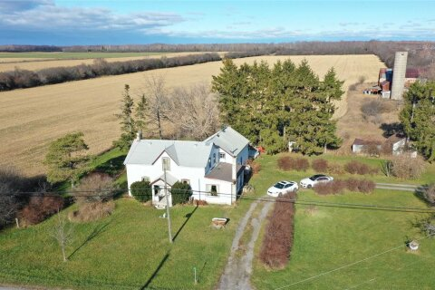 16880 Loyalist Parkway, Prince Edward County | Image 1