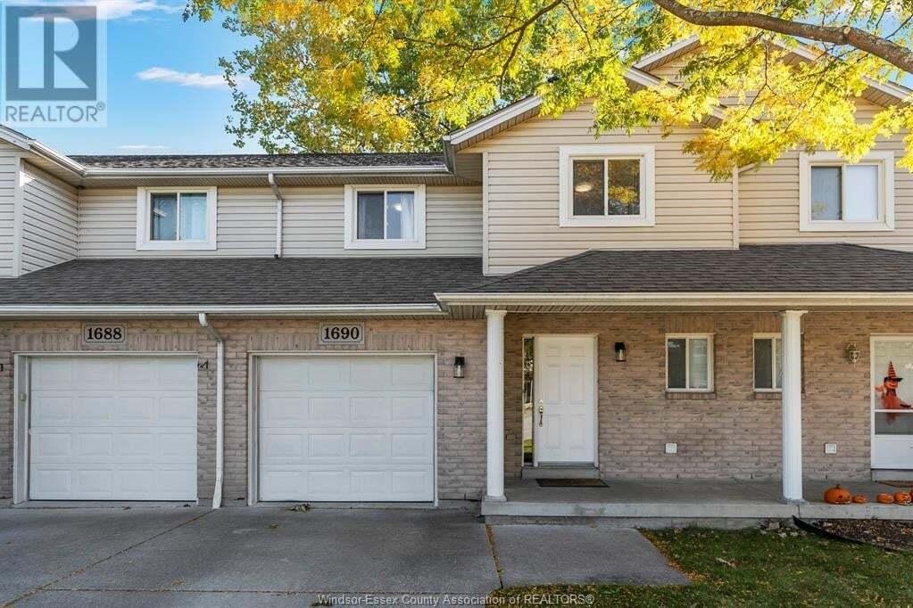 House for sale at 1690 Fieldcrest  Tecumseh Ontario - MLS: 20013964