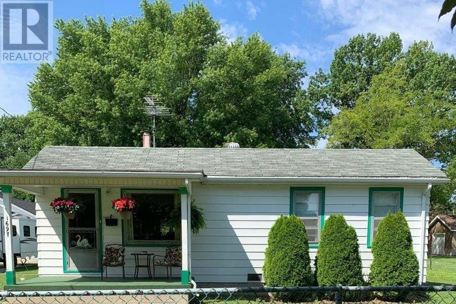 House for sale at 1697 Glendale  Windsor Ontario - MLS: 20009123