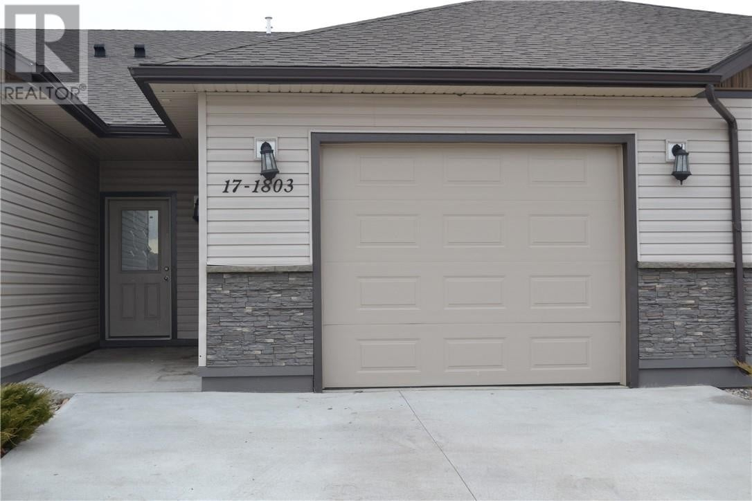 Townhouse for sale at 1803 1 Ave Unit 17, Fort Macleod Alberta - MLS: LD0183702