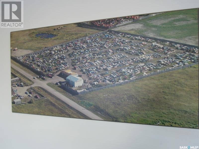 Commercial property for sale at 402 L Blk Red Wing Dr Unit 17-19 Prince Albert Saskatchewan - MLS: SK784846