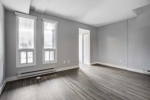 Townhouse for rent at 2 Blackthorn Ave Unit 17 Toronto Ontario - MLS: W5085688