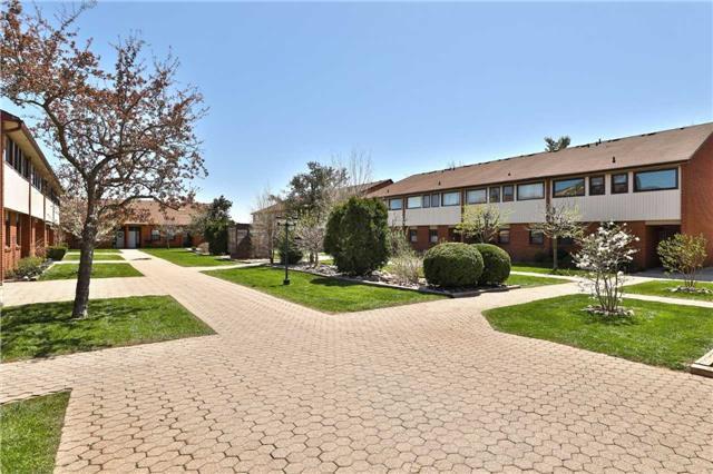Sold: 17 - 530 Falgarwood Drive, Oakville, ON