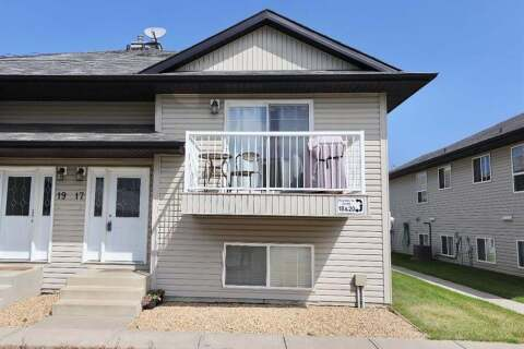 Townhouse for sale at 17 47 St Camrose Alberta - MLS: A1019752