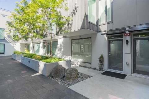 Townhouse for sale at 531 16th Ave E Unit 17 Vancouver British Columbia - MLS: R2493665