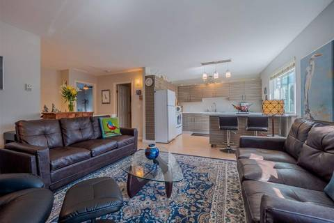 Townhouse for sale at 5761 Wharf Ave Unit 17 Sechelt British Columbia - MLS: R2446637