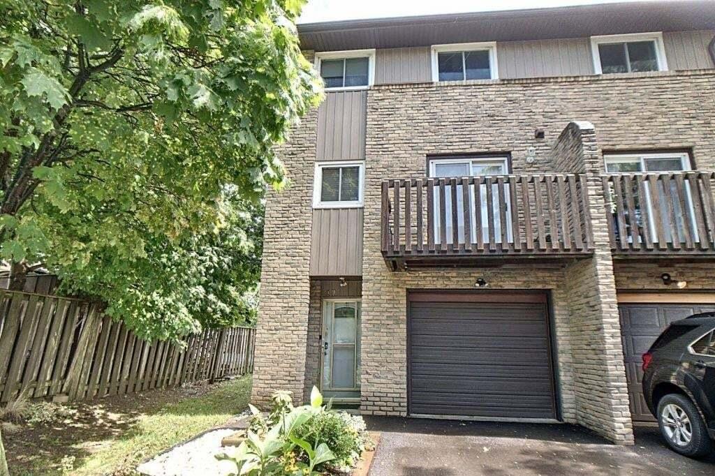 Townhouse for sale at 985 Limeridge Rd E Unit 17 Hamilton Ontario - MLS: H4084325
